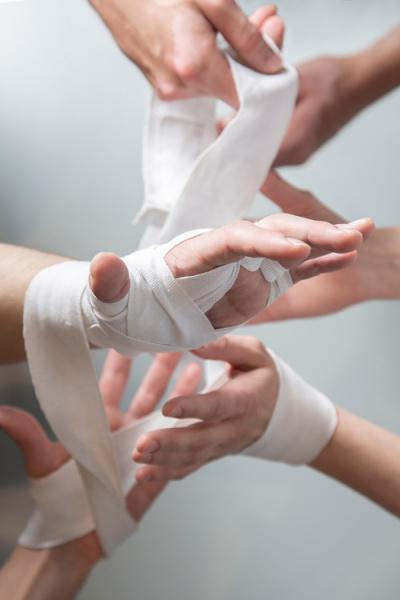 Bandagierte Hände
